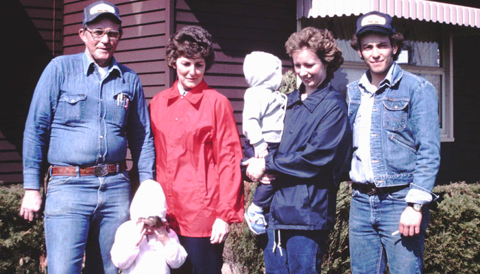 Bob, Helen, Debbie, Rod, Ryan, and Sarah Wilson